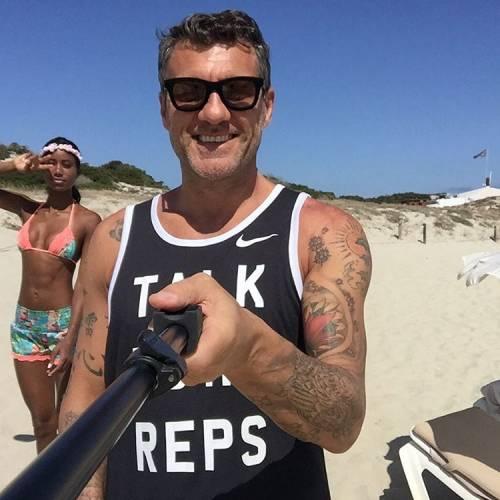 Bobo Vieri, le foto della vacanza a Formentera con Jazzma 10