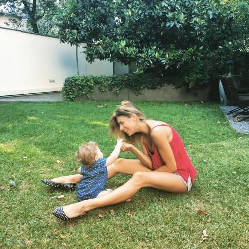 Elisabetta Canalis, a tutta famiglia dall'Italia a Malibu 5