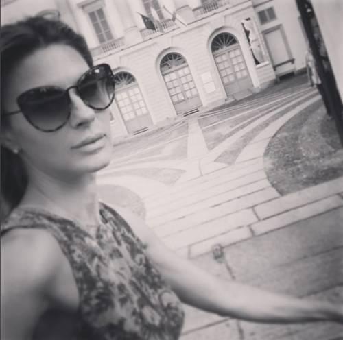 Martina Colombari, esplosiva in ascensore 15
