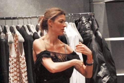 Martina Colombari, esplosiva in ascensore 20