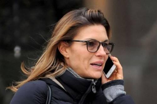 Martina Colombari, esplosiva in ascensore 23