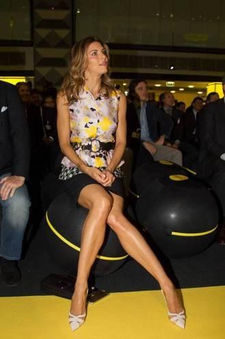 Martina Colombari, esplosiva in ascensore 26