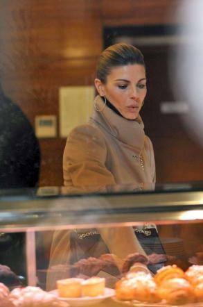 Martina Colombari, esplosiva in ascensore 33