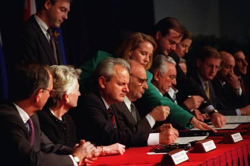 """Sentenza cambia tutto: """"Milosevic è innocente"""""""
