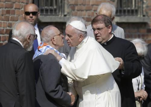 Il Papa in visita ad Auschwitz 14