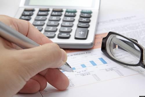 Novembre mese delle tasse Mazzata da 1.350 euro a testa