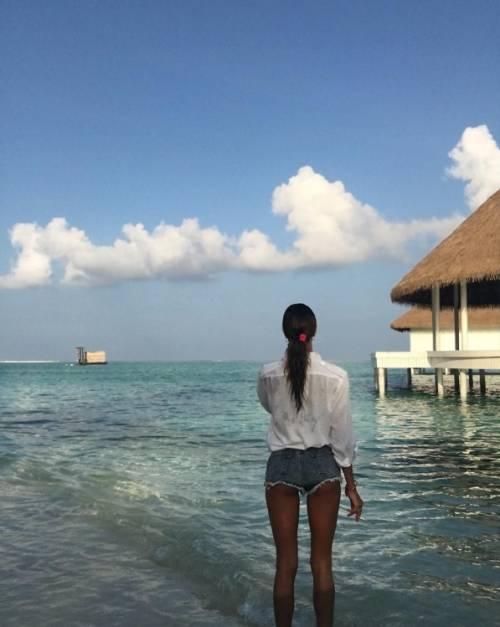 Belen Rodriguez: le foto sexy del lato b 22