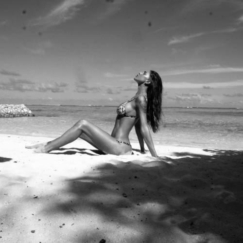 Belen Rodriguez: le foto sexy del lato b 39