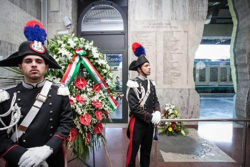 """Bologna, l'anniversario della strage. Mattarella: """"Segno indelebile nella coscienza civile italiana"""" 2"""