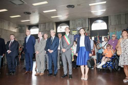 """Bologna, l'anniversario della strage. Mattarella: """"Segno indelebile nella coscienza civile italiana"""" 3"""