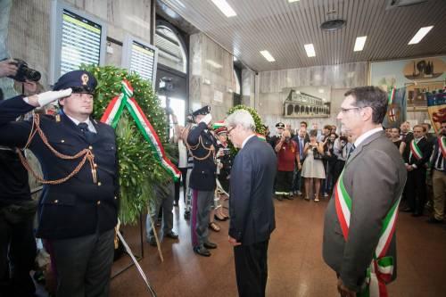 """Bologna, l'anniversario della strage. Mattarella: """"Segno indelebile nella coscienza civile italiana"""" 4"""