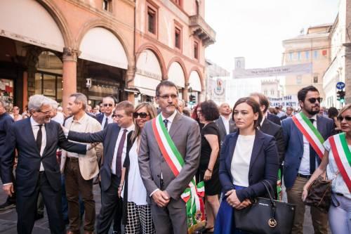 """Bologna, l'anniversario della strage. Mattarella: """"Segno indelebile nella coscienza civile italiana"""" 7"""