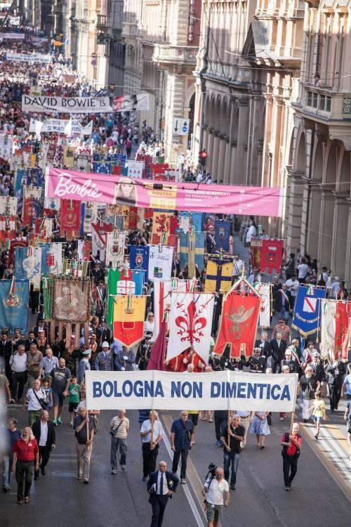 """Bologna, l'anniversario della strage. Mattarella: """"Segno indelebile nella coscienza civile italiana"""" 8"""