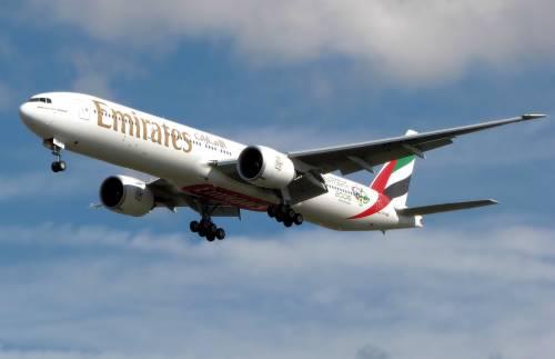 """""""Non voglio un morto sul mio aereo"""": così pilota lascia a piedi un bimbo"""