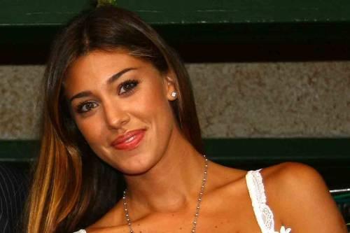 Belen Rodriguez, un'estate sexy e svestita  13