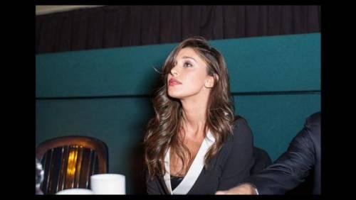 Belen Rodriguez, un'estate sexy e svestita  17