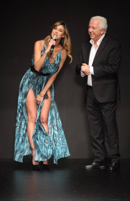 Belen Rodriguez, un'estate sexy e svestita  23