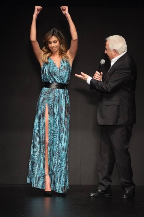 Belen Rodriguez, un'estate sexy e svestita  24