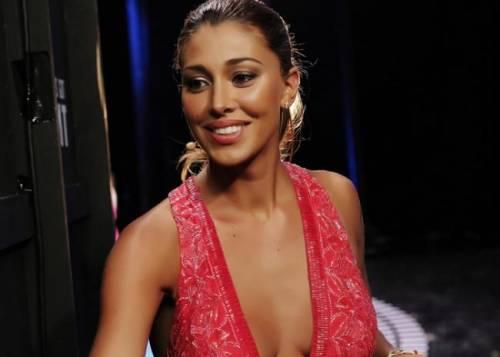 Belen Rodriguez, un'estate sexy e svestita  28