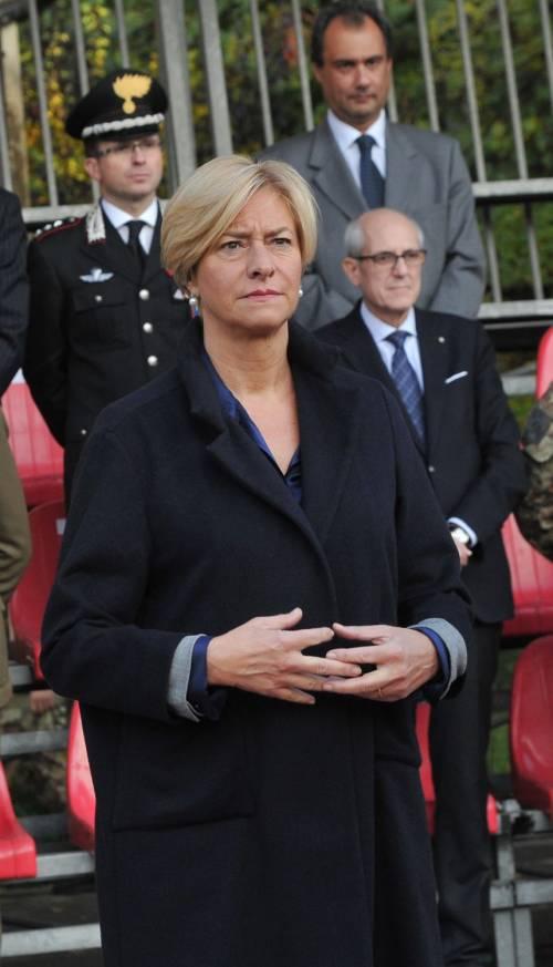 """Pinotti: """"Pronti a usare l'esercito nei Cie"""""""