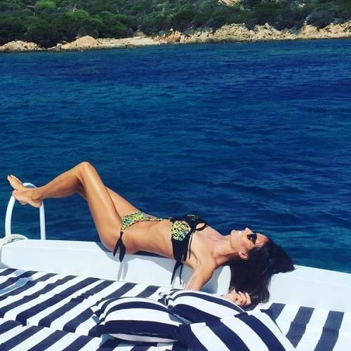 Elisabetta Gregoraci, topless da urlo in Costa Smeralda 5