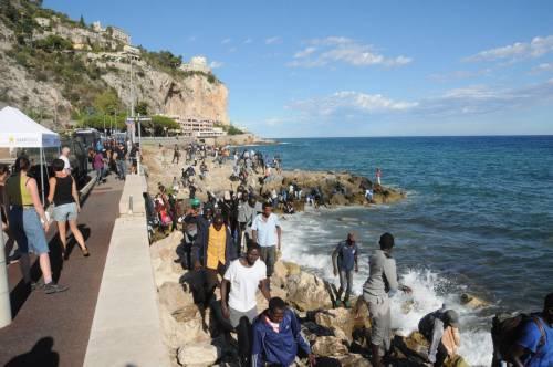 Ventimiglia, scontri tra migranti e polizia 2