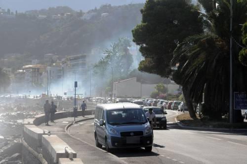 Ventimiglia, scontri tra migranti e polizia 5