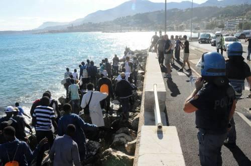 Ventimiglia, scontri tra migranti e polizia 7