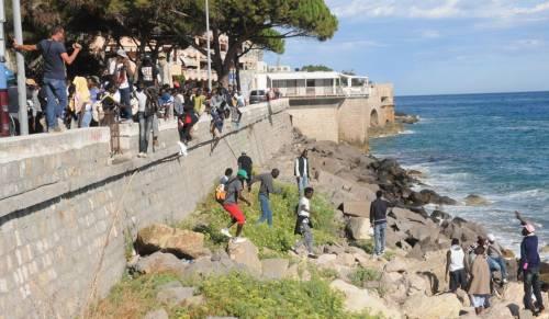 Ventimiglia, scontri tra migranti e polizia 8