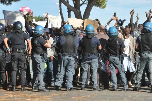 Scontri tra migranti e polizia  a Ventimiglia