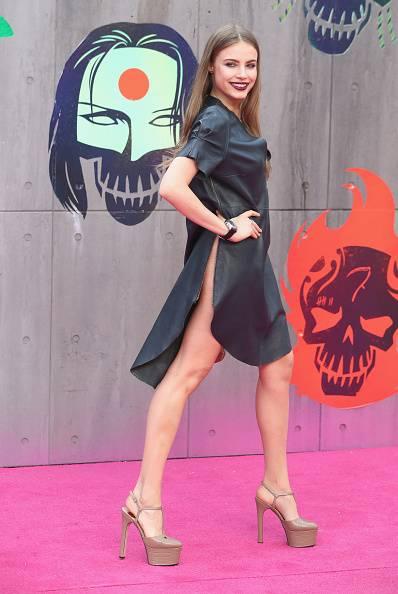 Scandalo sul red carpet di Suicide Squad: la modella Xenia è senza slip 3