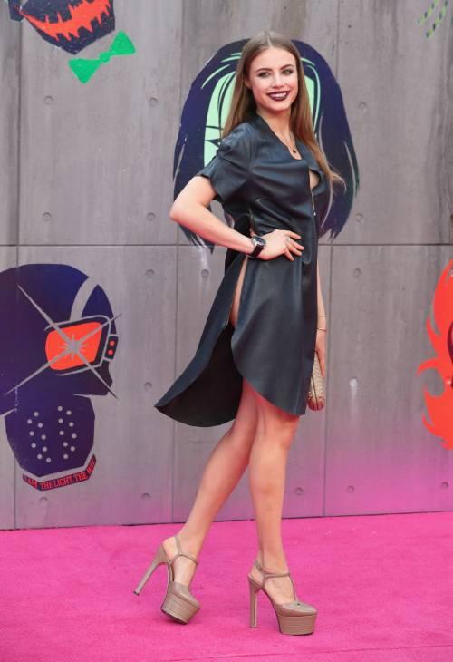 Scandalo sul red carpet di Suicide Squad: la modella Xenia è senza slip 4