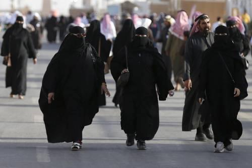 Oltre 20mila islamici poligami. Ma la legge italiana non li punisce