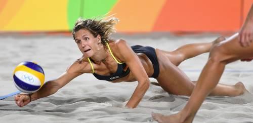 Beach volley, il confronto è culturale: il bikini tedesco e il velo egiziano 12
