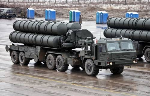 Crimea, Putin invia gli S-400