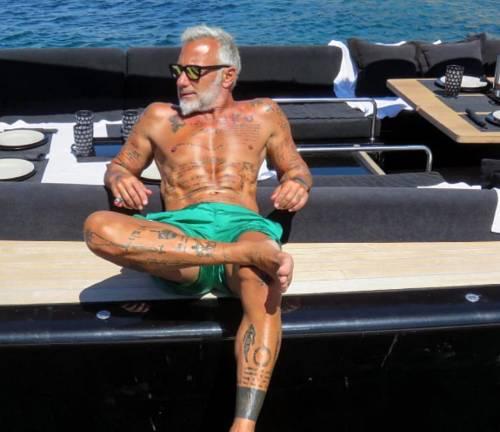 "Gianluca Vacchi contro Crozza: ""Dici cose inutili"""