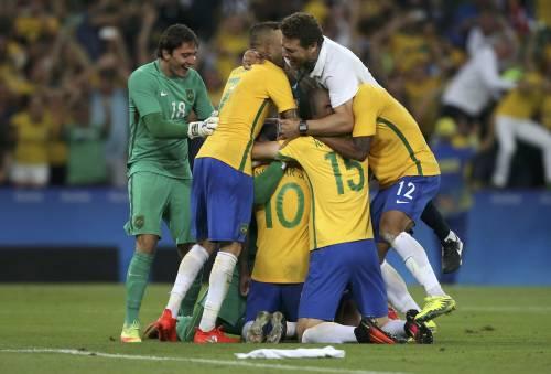 Rio, la gioia verdeoro per l'oro nel calcio 9