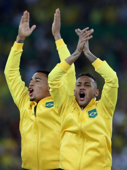 Rio, la gioia verdeoro per l'oro nel calcio 12