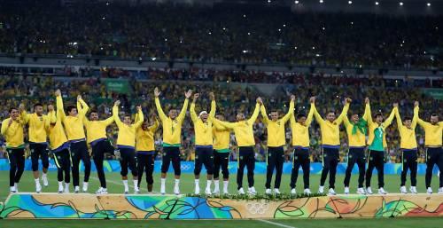 Rio, la gioia verdeoro per l'oro nel calcio 13