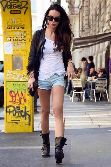 Nina Moric, l'estate hot 8