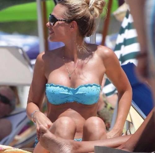 Ilary Blasi sexy conduttrice del Grande Fratello Vip 20