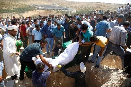 Gaziantep piange le vittime del terrorismo 4