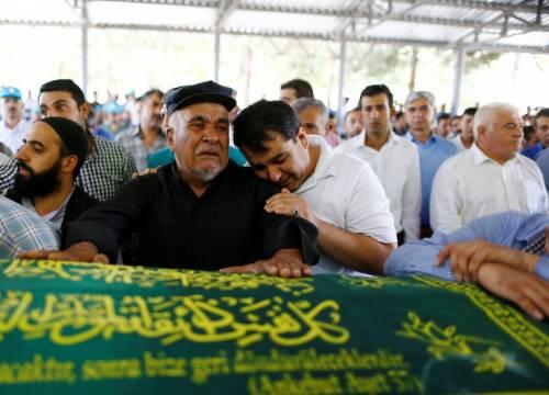Gaziantep piange le vittime del terrorismo 8