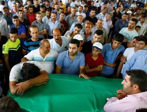 Gaziantep piange le vittime del terrorismo 12