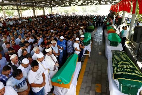 Gaziantep piange le vittime del terrorismo 11