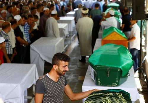 Gaziantep piange le vittime del terrorismo 14