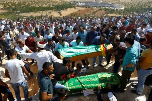 Gaziantep piange le vittime del terrorismo 18