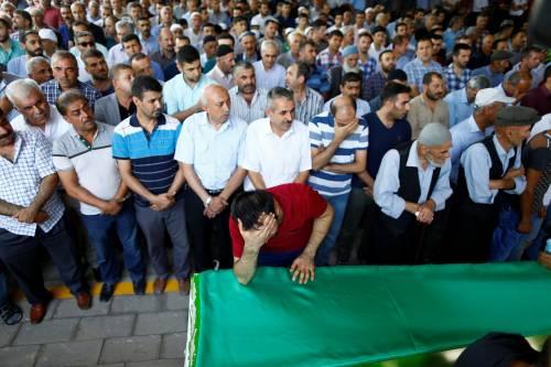Gaziantep piange le vittime del terrorismo 17