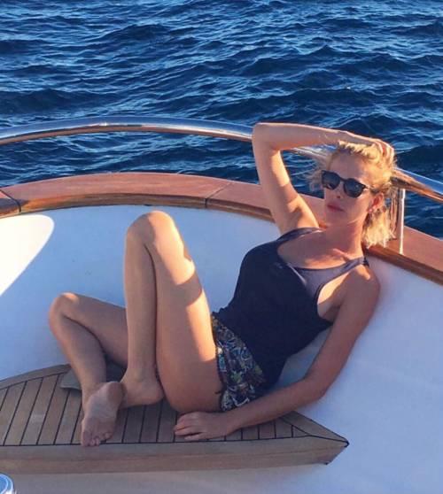 Alessia Marcuzzi, l'estate sexy 17