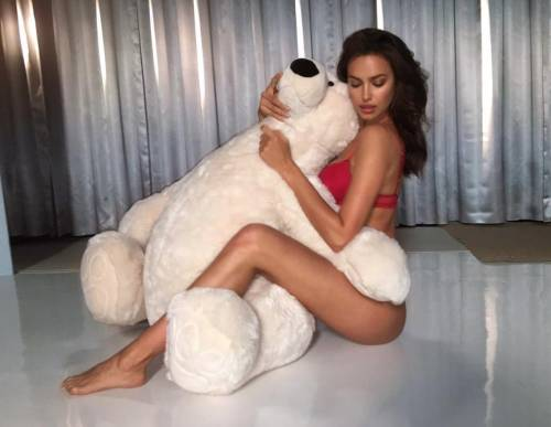 Irina Shayk nuda per GQ di settembre 9